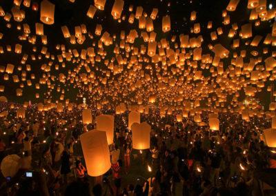 yee-peng-festival-of-lanterns-chiang-mai-thailand